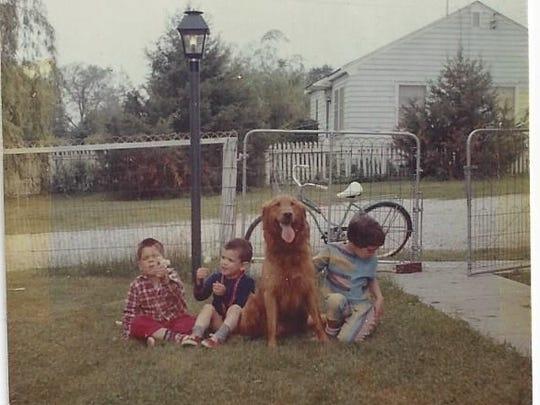 Sibling Pic in Iowa City around 1964.jpg