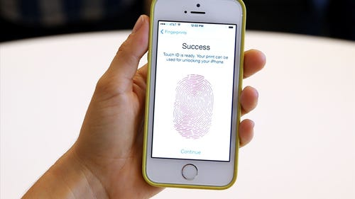 Giving the new iPhone more than the finger   USA N...
