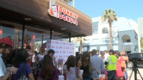 Hundreds line up outside LA's first Dunkin' Donuts