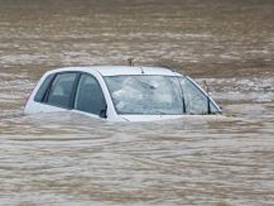 car submerged-153490904