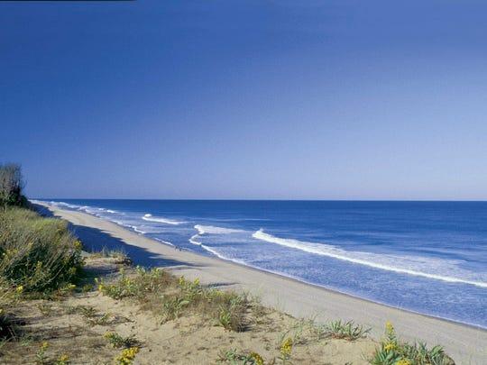 Travel_Best_Beaches__jbuitrago@news-press.com_3.jpg