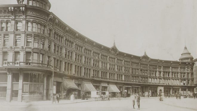 The English Hotel and Opera House was located on the Northwest quadrant of Monument Circle.