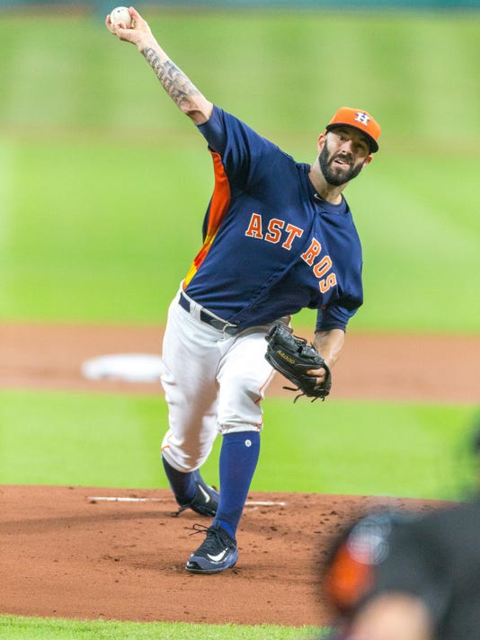 Houston Astros starting pitcher Mike Fiers (54) delivers the pitch in the first inning of a baseball game between the Houston Astros and the Chicago Cubs, Sunday, Sept. 11, 2016, in Houston. (AP Photo/Juan DeLeon)