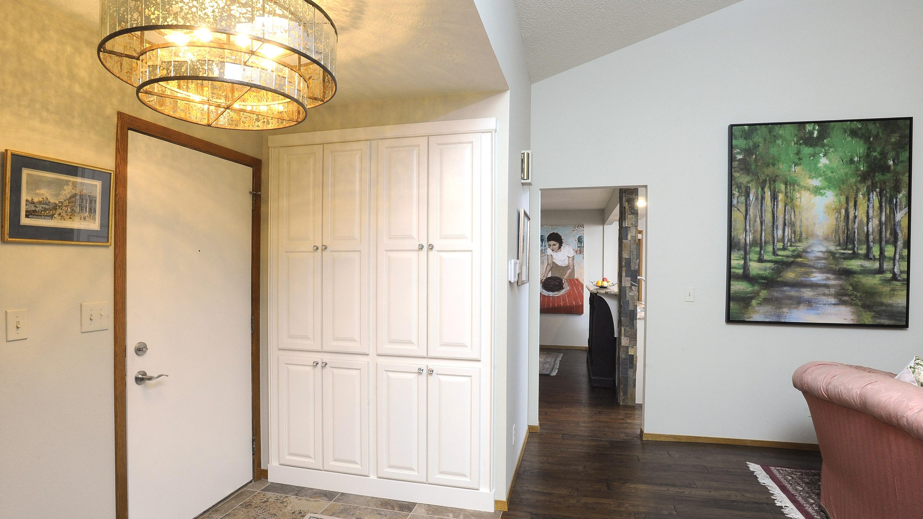 Designer Helps Downsize Update 80s Townhome