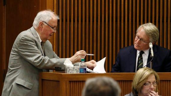 Defense attorney Bill Baxley asks William Brooke to read grand jury testimony during Alabama House Speaker Mike Hubbard's trial on Wednesday, June 1, 2016, in Opelika, Ala. (Todd J. Van Emst/Opelika-Auburn News via AP, Pool)