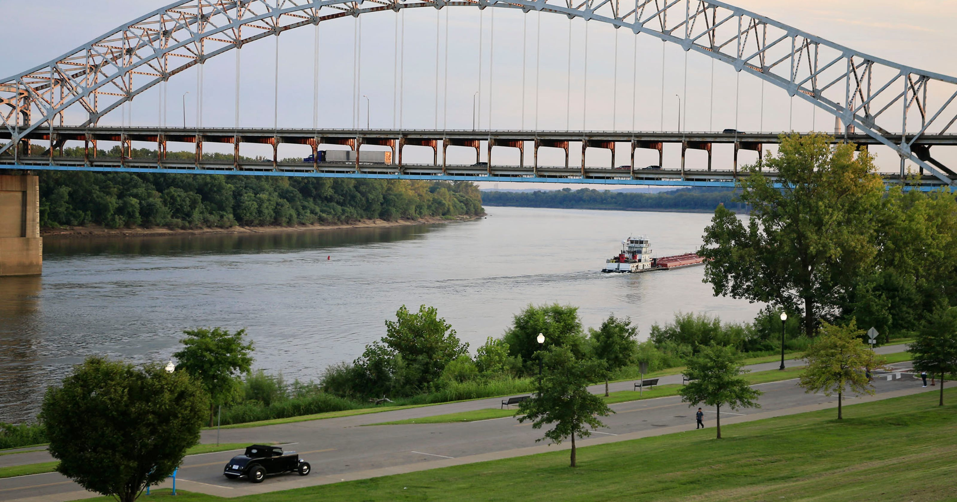 John F Kennedy Bridge Interstate 65 crossing the Ohio River in