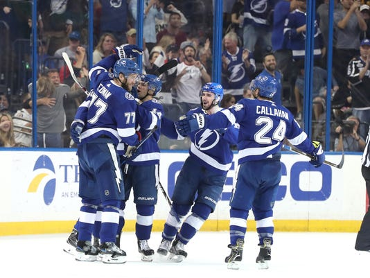 Lightning blank Bruins to move into Atlantic Division tie c5a9e1c0b