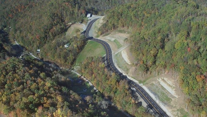 A section of U.S. 119 on Pine Mountain near Whitesburg, Ky., is shown in an aerial photograph taken in Oct. 2003.