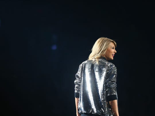 Taylor Swift on stage Sept.  29, 2015, in St Louis,