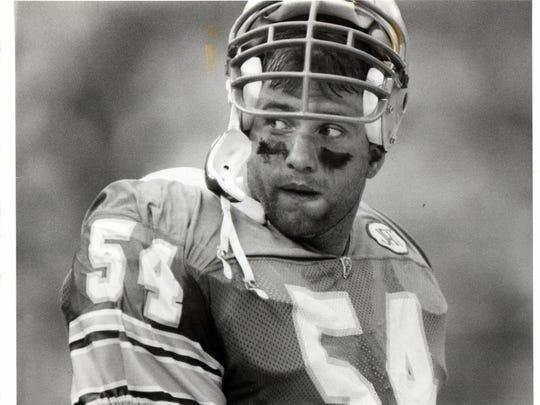 Detroit Lions linebacker Chris Spielman in 1991