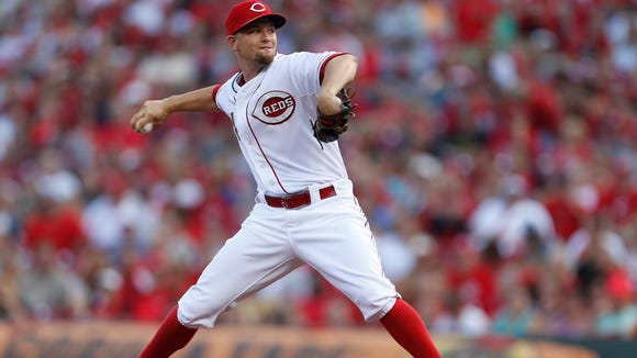 Reds starting pitcher Mike Leake