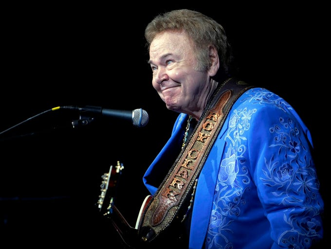 In this April 13, 2012 photo, Roy Clark smirks after