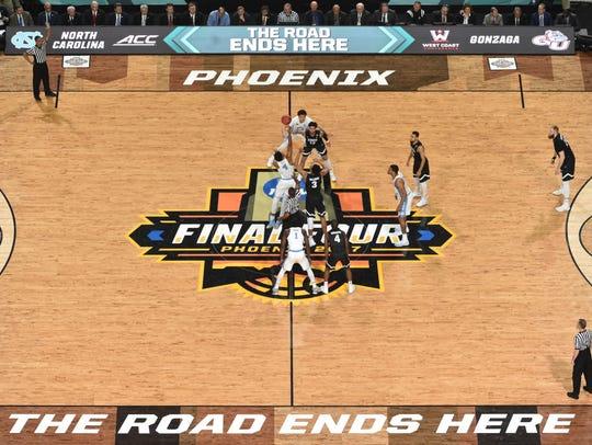 Gonzaga and North Carolina start the national the championship