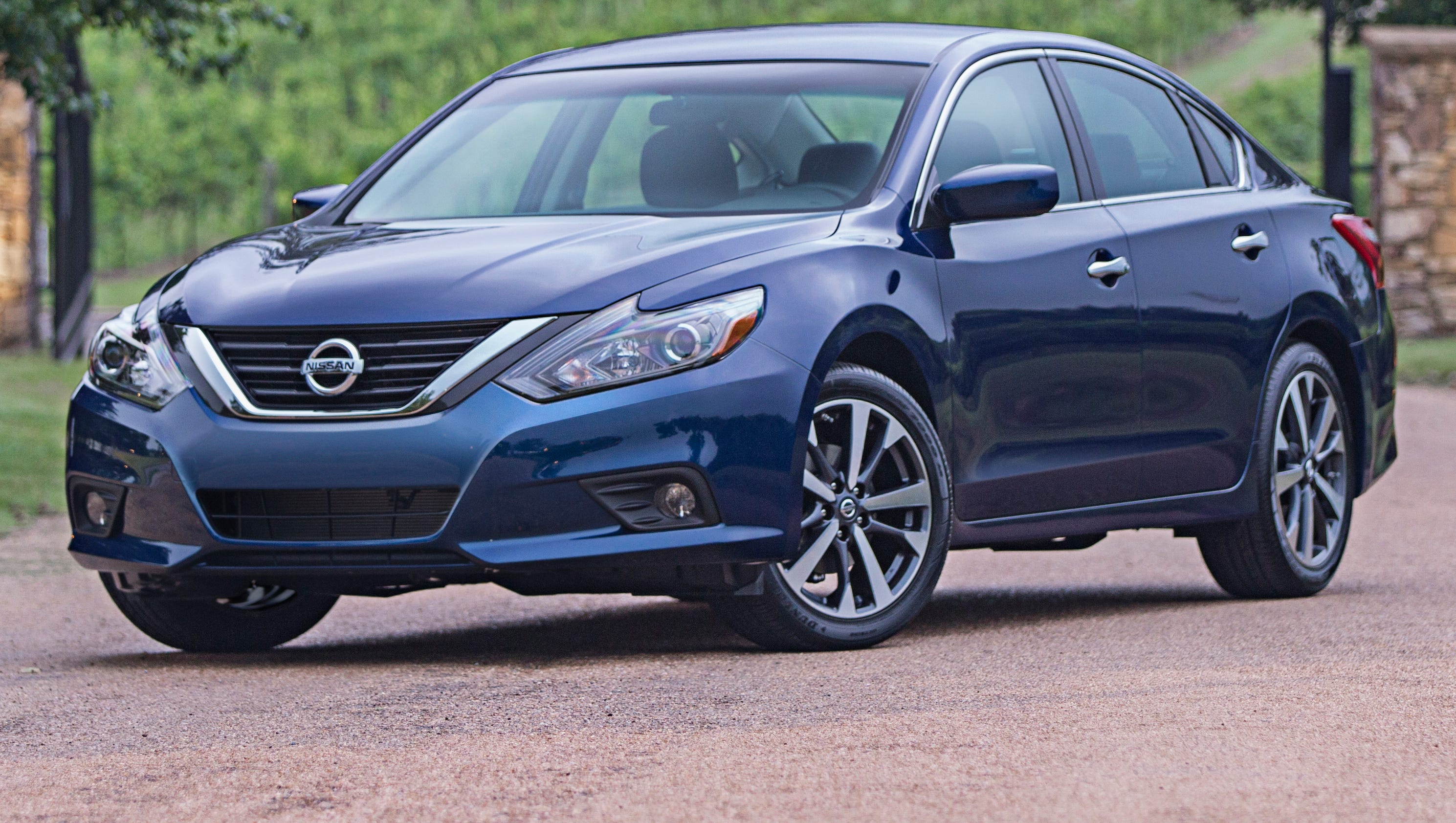 Nissan says new Altima s 39 mpg on highway