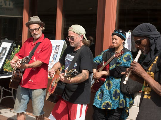 "Kent Stanton, ""Dano"" and ""Hope Tune"" perform Saturday,"