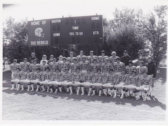 The 1986 Football team with Coach Jordan, Coach Picard