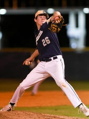 Carter Stewart pitches for Eau Gallie during a 2018