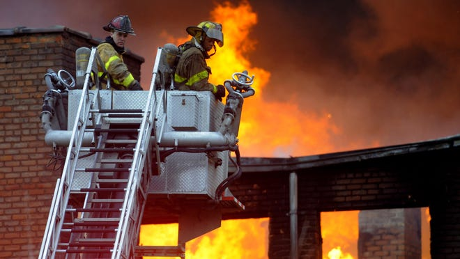 Lt. Eric Hollowell, of the Highland Park Fire Department, said on Saturday the fire at 138 Glendale and Third could take several hours to extinguish.