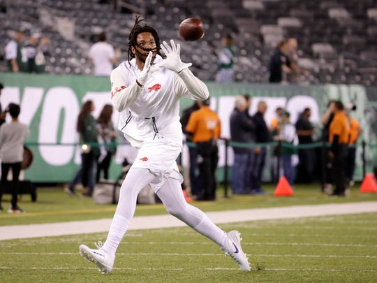 Buffalo Bills wide receiver Kelvin Benjamin makes a catch while working out prior to Thursday night's game against the Jets.