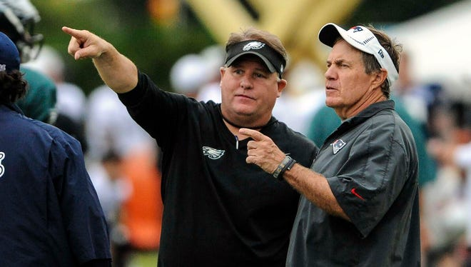 Eagles coach Chip Kelly, left, held joint practices with Bill Belichick's Patriots in 2013, too.