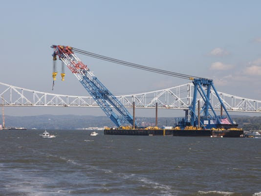 Tappan Zee Bridge super crane