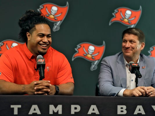 Draft_Buccaneers_Football_31514.jpg