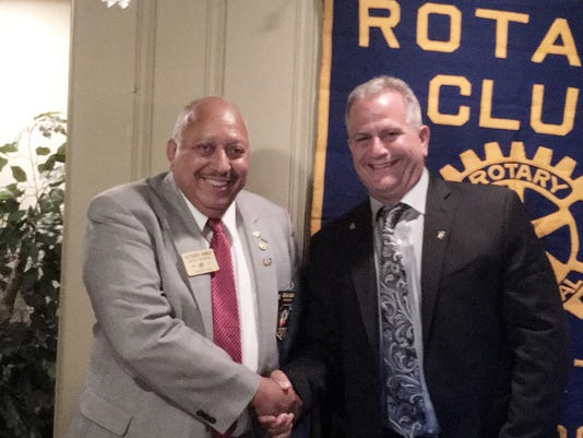 Rotary Installs Officers July 2016-1