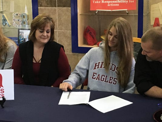 Hinds Signee