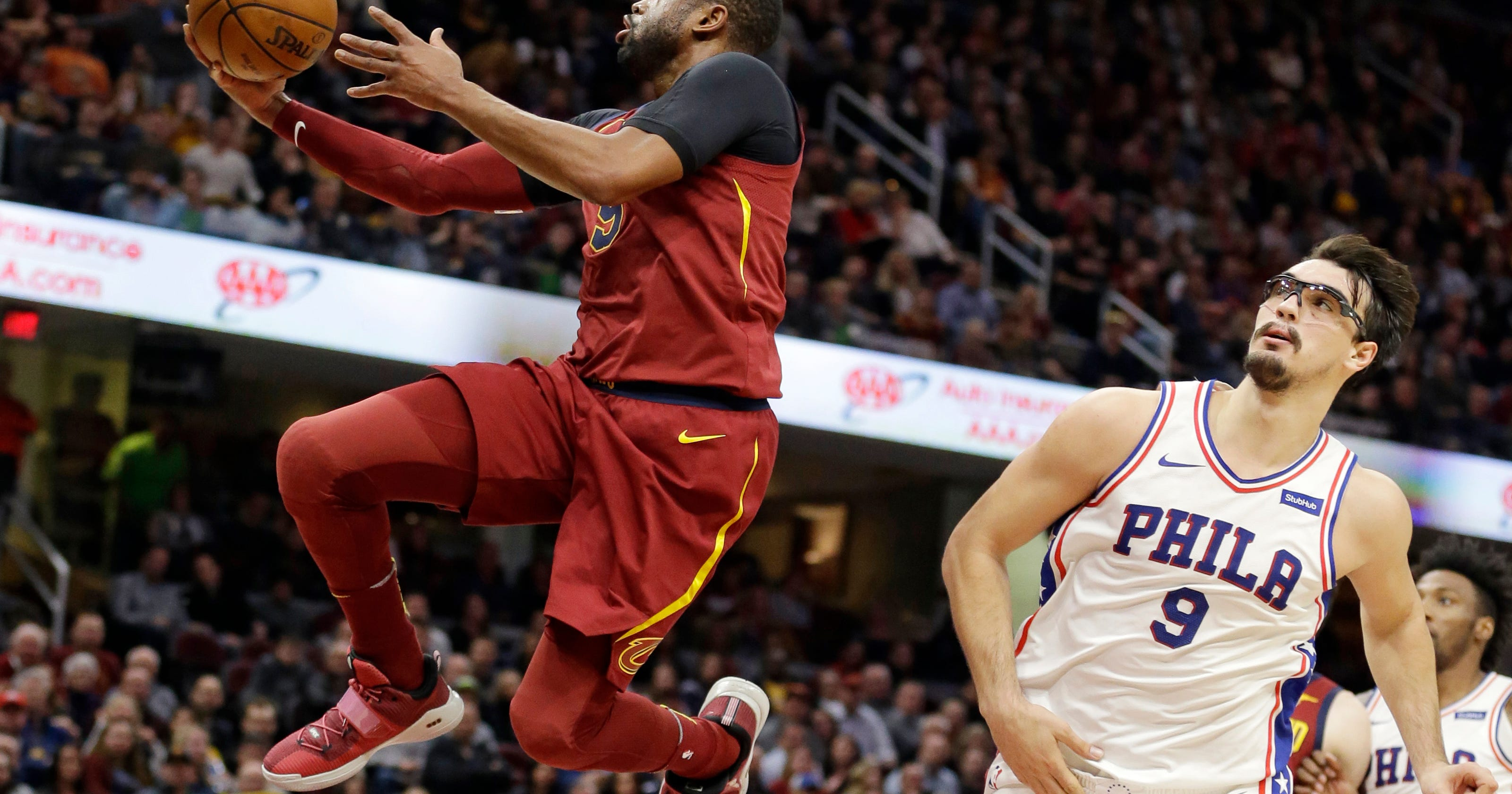 9062fe3da8dc Cavaliers  Wade out against Hawks because of sore knee