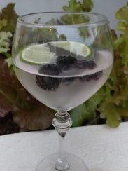 Sparkling dewberry water