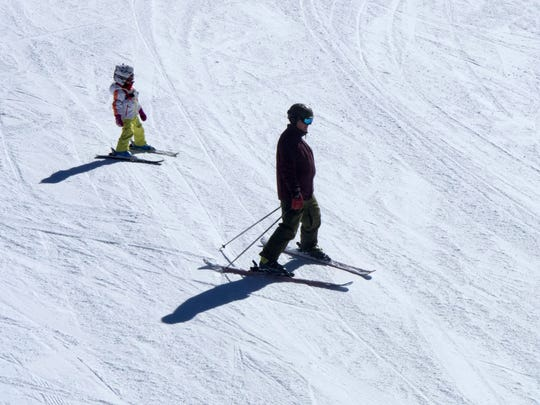 STG 0319 spring skiing 02.jpg