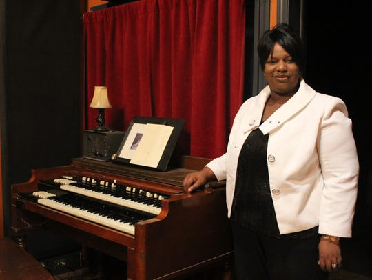 Sereca Robinson Henderson is a pianist and organist