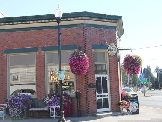 Old Stone Coffee & Collectibles serves Silver Falls