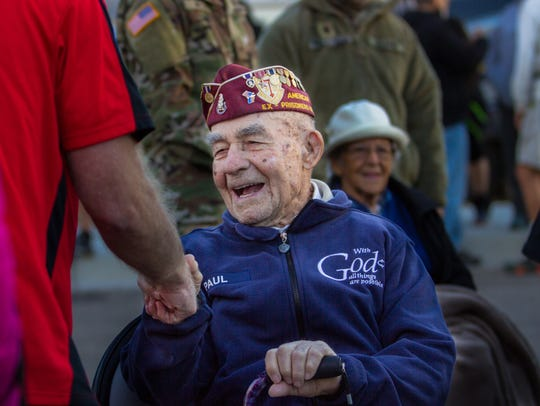 Bataan Death March survivor Paul Ketchum tells jokes and greets marchers as the 29th Bataan Memorial Death March begins early Sunday, March 25, 2018, at White Sands Missile Range.