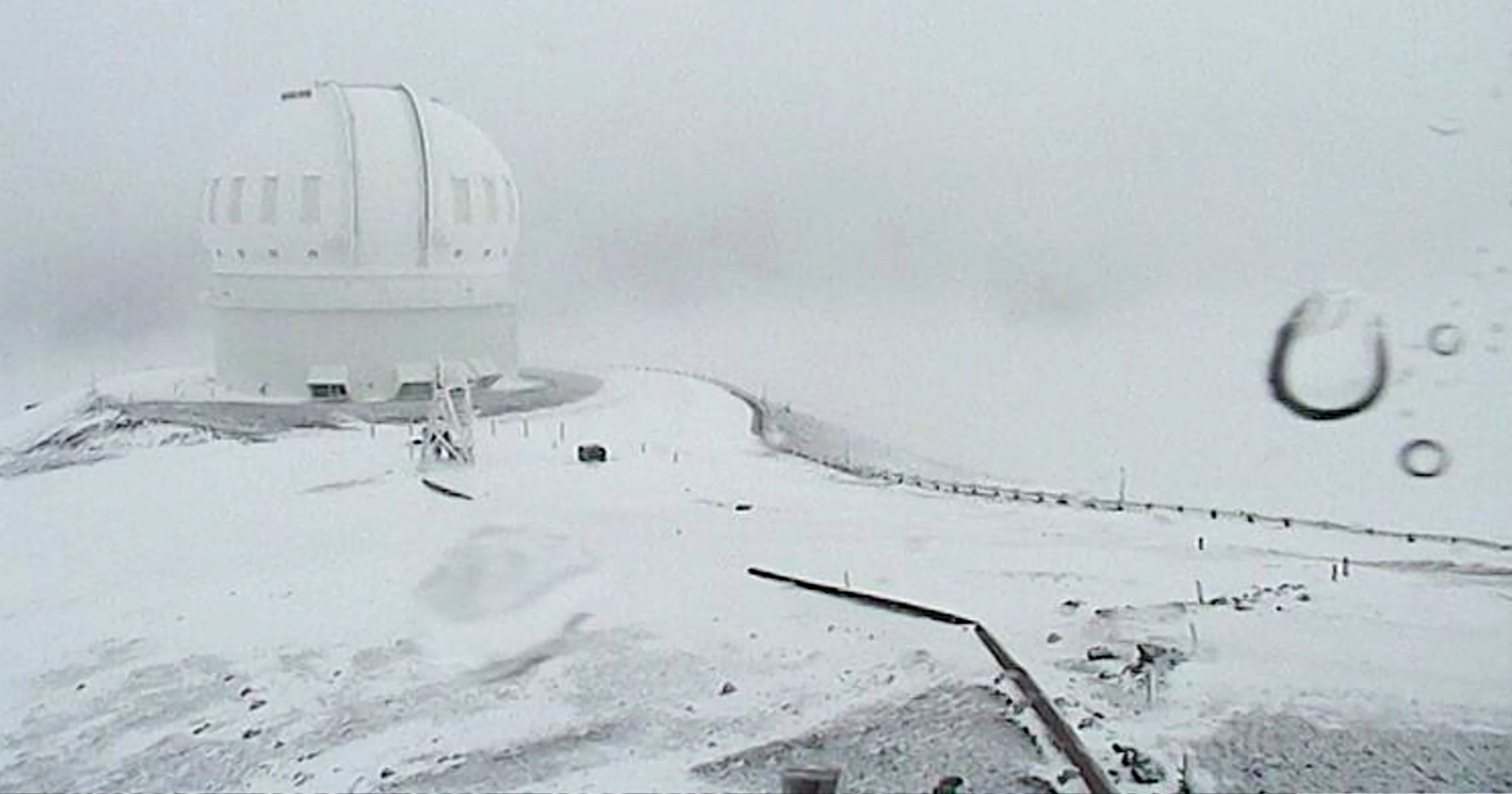 Hawaii expected to get 3 feet of snow. You read that right.