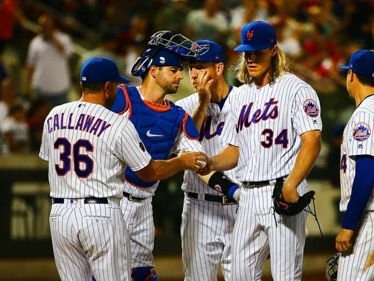 New York Mets starting pitcher Noah Syndergaard (34)