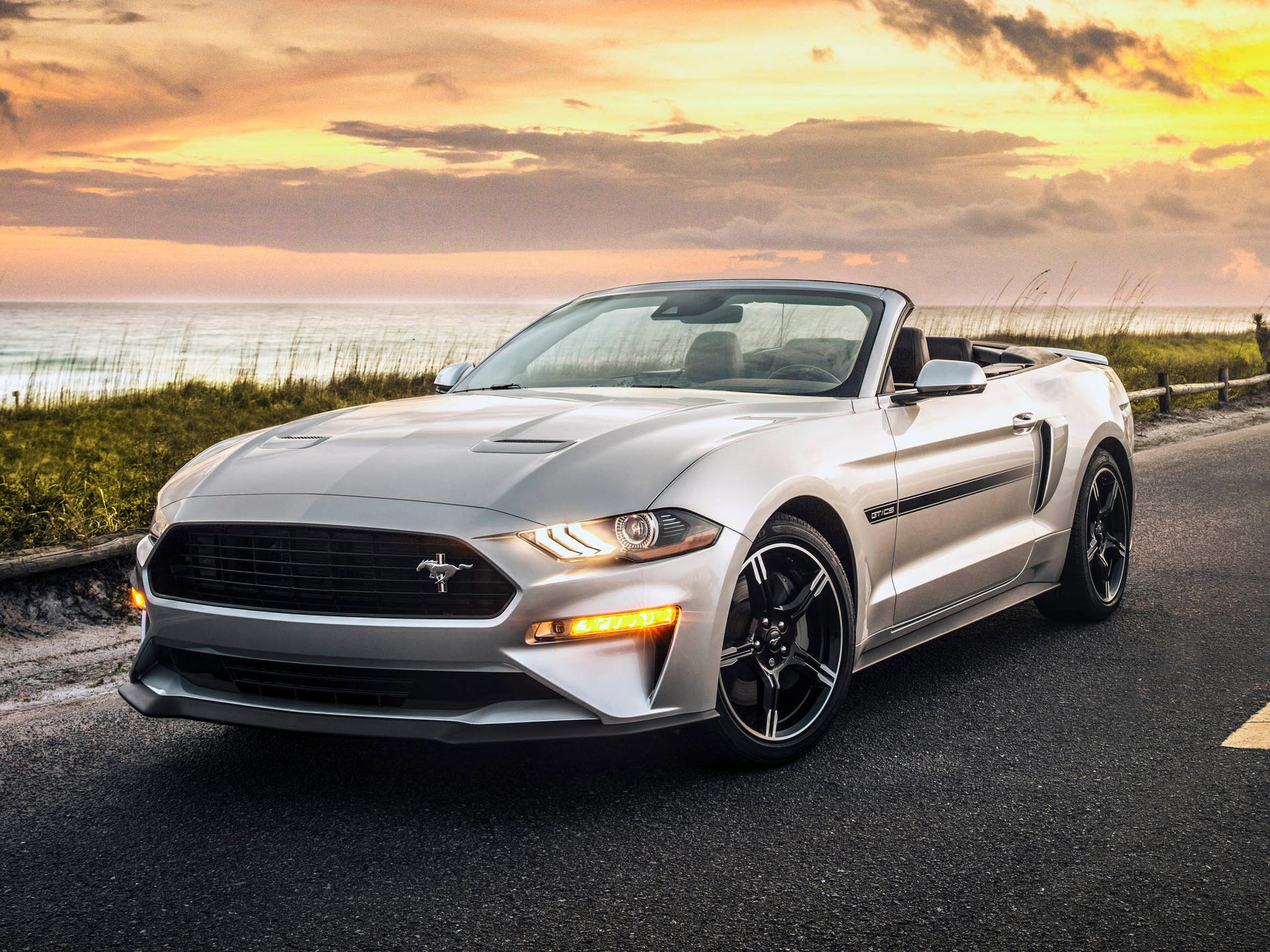Photos ford mustang gt california special edition