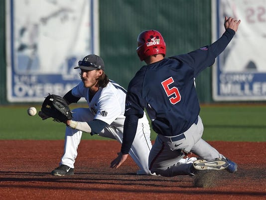 REN0221 Wolf Pack baseball gamer 1.jpg