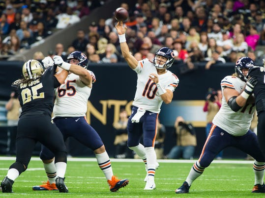 Chicago Bears quarterback Mitchell Trubisky throws a pbad during an NFL football game against the New Orleans Saints in New Orleans, Sunday, Oct. 29, 2017. (Scott Clause/The Daily Advertiser via AP)