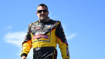 Gluck: Tony Stewart's title hopes dangling by a thread