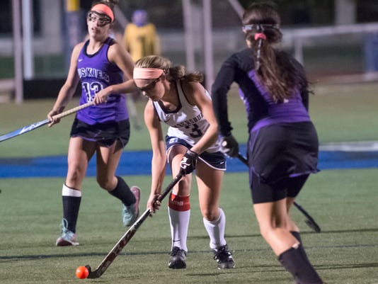 CPO-NHG-101516-CHAMBERSBURG-MIFFLIN-COUNTY-FIELD-HOCKEY-03