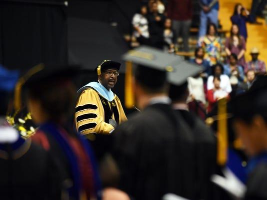 -USM Graduation 1.jpg_20151211.jpg