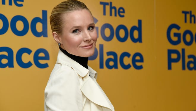 Kristen Bell has a good reason for her strange quirk of wearing gloves in the pool with her kids.