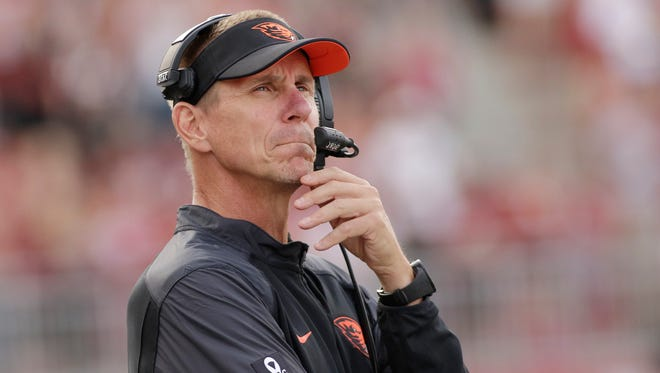 Oregon State head coach Gary Andersen watches during the second half of an NCAA college football game against Washington State, Saturday, Oct. 17, 2015, in Pullman, Wash.