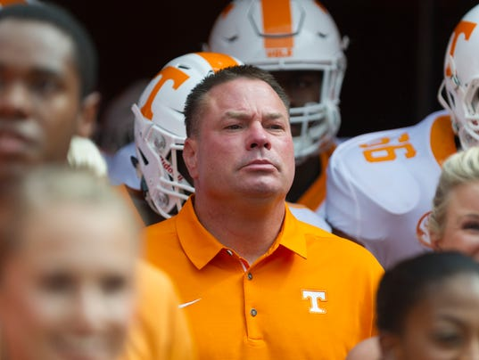 Tennessee Vols coach Butch Jones