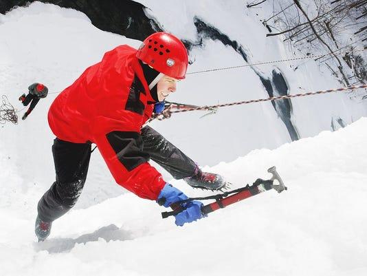 20040125_ITH_ice_climb_1