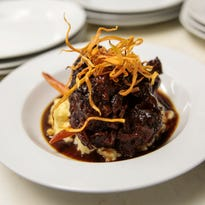 Top 10 Takeover dines at SavannahBlue in Detroit
