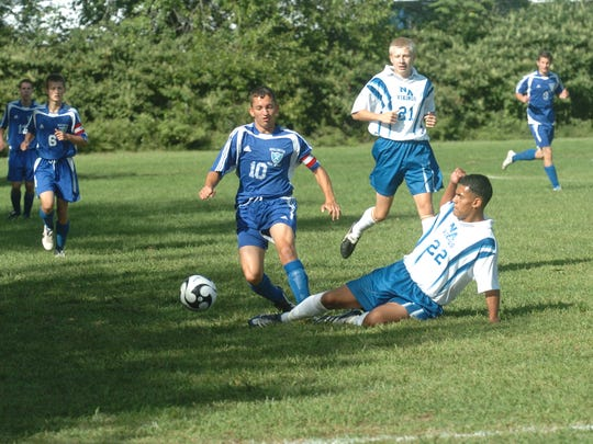 Action from a 2007 game between North Arlington (white) and Wallington (blue).