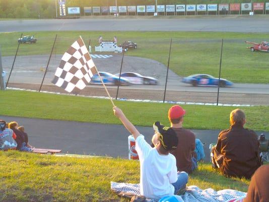Auto racing 02.jpg