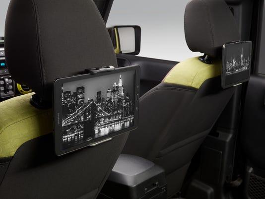 636582660279200909-Super-8-ROADM8-Interior-Tablet-2.jpg